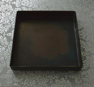Metallbricka i plåt 15 x 15